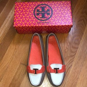 NEW Tory Burch leather loafer